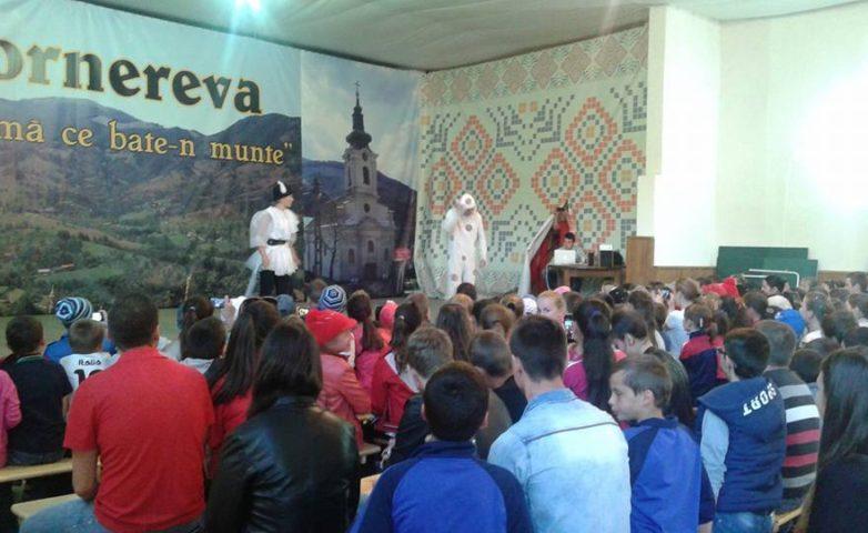 """""""Șansă la cultură"""", pentru copiii din Cornereva"""